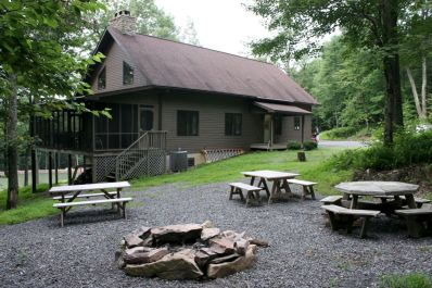 The lodge and picnic area.